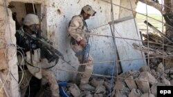 Ushtarët irakianë gjatë operacionit për rimarrjen e Tikritit