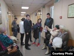 Сергей Сычев, Ирина Никифорова и группа поддержки активистки в Вахитовском суде