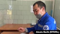 Мырзатай ауылының фельдшері Тасқын Есенқұлов. Жамбыл облысы, 28 наурыз 2020 жыл. h 2020