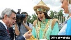 Серж Саркисян в Казани, 24 июня 2011