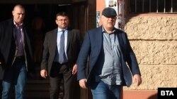Иван Гешев, следван от вътрешния министър Младен Маринов
