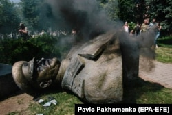 Знесений пам'ятник маршалу СРСР Георгію Жукову. Харків, 2 червня 2019 року