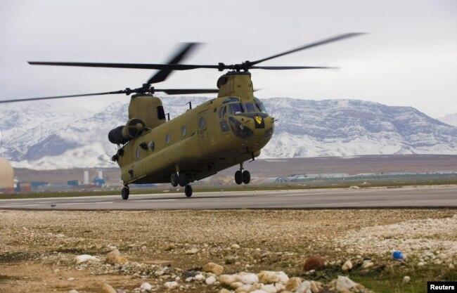 Вертоліт CH-47F Chinook армії США в Афганістані