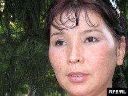 Шолпан Абдибакас, сестра осужденного по «Шаныракскому делу» Ерганата Тараншиева. Алматы, 8 июля 2009 года.