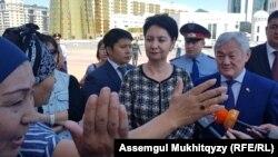 Гульшара Абдыкаликова и Бердибек Сапарбаев вышли к женщинам. Нур-Султан, 3 июня 2019 года.