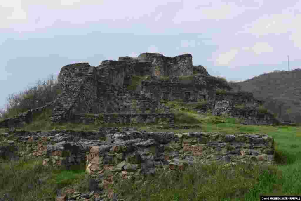 შუა საუკუნეების ციხე-გალავანი