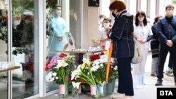 Стотици медици и приятели се простиха символично с д-р Илияна Иванова - първата лекарка, починала от коронавируса в Сливен