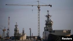 """Корабли класса """"Мистраль"""" """"Севастополь"""" и """"Владивосток"""" на верфи Сен-Назер во Франции"""