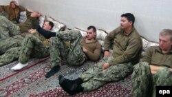 ملوانان آمریکایی پس از بازداشتشان توسط سپاه پاسداران