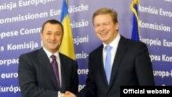 Vlad Filat și comisarul european Ștefan Fule ieri la Bruxelles