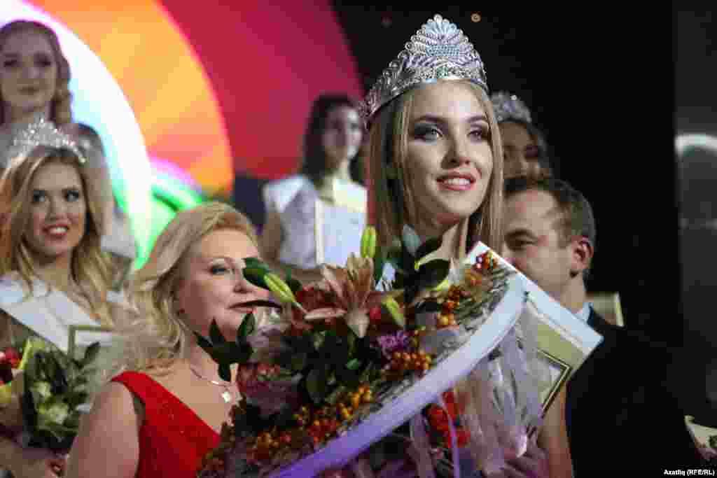 Татарстанның 2016 елгы иң чибәр кызы Диләрә Ялалтынова