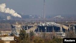 Зруйнована боями будівля терміналу Донецького аеропорту, Донецьк, 12 жовтня 2014 року