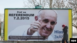 Slovakiyada referenduma çağıran reklam.