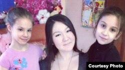 """А.Кадырбаева: """"Болочокто жаш балдар менен иштеген кайрымдуулук корумду түзгүм келет"""""""