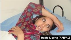 Гульсика после травм на лечение в больнице, в Кабуле.