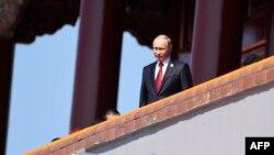 Владимир Путин на военном параде в Пекине 3 сентября 2015 года