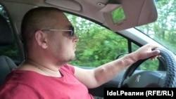 Виталий Ковригин по дороге в больницу