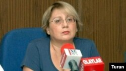 Məlumatı hüquq müdafiəçisi Leyla Yunus verib