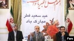 آخرین نشست خبری علیاکبر صالحی (وسط) در مقام وزیر خارجه دولت دهم در کنار عباس عراقچی (راست) و رامین مهمانپرست- ۲۰ مرداد ۱۳۹۲
