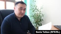 Амангельды Алтыбаев, юрист компании «АзияТерминалСнаб». Мангистауская область, 30 марта 2018 года.
