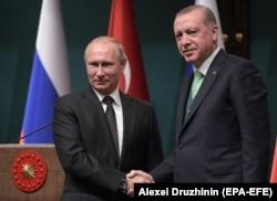Владимир Путин во время визита в Анкару к Реджепу Эрдогану. 11 декабря 2017 года