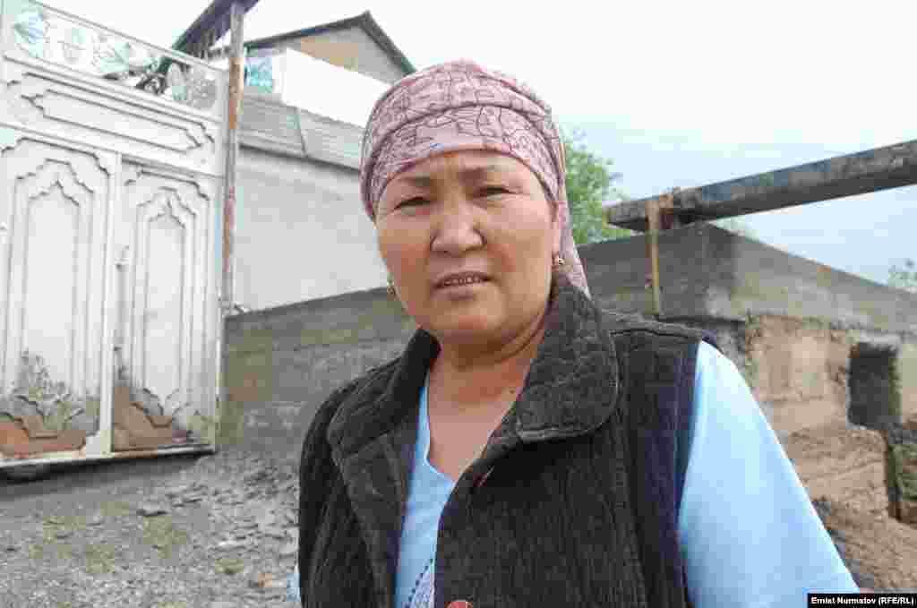 Гулсана, жительница села Курманжан-Датка: Хорошо, что дети были в школе во время селя.