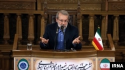 Iranian moderate conservative politician Ali Larijani (file photo)