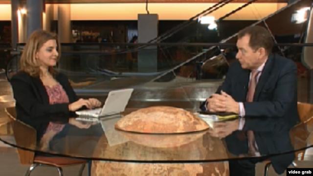 Europarlamentarul Graham Watson intervievat la Strasbourg de Iolanda Bădiliță
