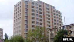 Bakıda hündürmərtəbəli bina (arxiv fotosu).