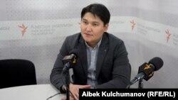 """""""Орус элчилиги кыргыз коомуна кол шилтеди"""""""