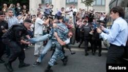 Задержания сторонников Навального в Москве 18 июля