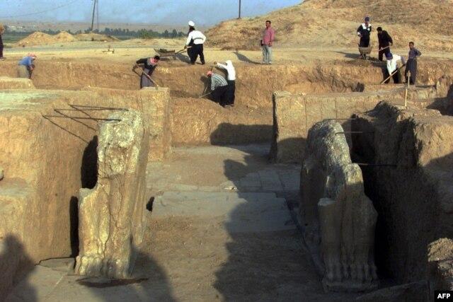 Nimrud, 2001