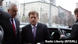 Посол США в РФ Майкл Макфол прибыл на Радио Свобода
