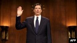 Джеймс Коми в сенате США во время обсуждения его кандидатуры на пост директора ФБР в прошлом году.
