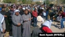 مشهد من احدى صلوات الجمعة في بعقوبة(من الارشيف)