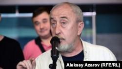 В обсуждении концепции благоустройства ботанического сада участвовал и известный журналист Вадим Борейко. Алматы, 28 июня 2018 года.