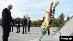 Armenia - German Foreign Minister Frank-Walter Steinmeier lays a wreathe at the Armenian genocide memorial in Yerevan, 23Oct2014.
