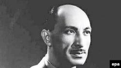 شماری از روشنفکران افغان نسبت به سياست ها و کارکرد ظاهرشاه در زمان سلطنتش با ديد انتقادی می نگرند اما برخی ديگر حاکميت محمد ظاهر را ستايش می کنند.