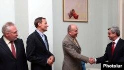 Президент Армении Серж Саргсян принимает сопредседателей Минской группы ОБСЕ. Ереван, 3 июля 2010 г.