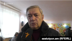 Armenia -- Minister of Emergency Situations FelixTsolakian speaks at a polling station in Gyumri, December 9, 2018