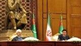 Eýranyň prezidenti Hassan Rohani (ç) we Türkmenistanyň prezidenti Gurbanguly Berdimuhamedow, Aşgabat, 11-nji mart, 2015