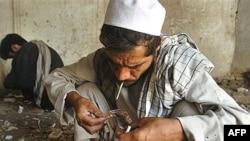 کابل کې یو شمېر معتادین