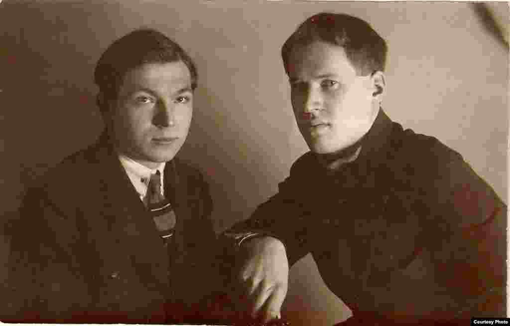Уладзімер Дубоўка і Юрка Гаўрук. Люты 1926 г. З фондаў БДАМЛМ