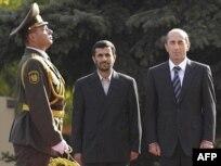 ابهام  درباره علت نیمه تمام ماندن سفر احمدی نژاد به ارمنستان