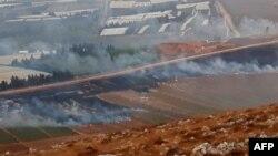 نمایی از روستای مارون الراس در جنوب لبنان که پس از حملات روز یکشنبه حزبالله، توسط ارتش اسرائیل گلولهباران شد.