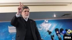 علی اکبر جوانفکر، مشاور مطبوعاتی محمود احمدی نژاد و مدير عامل ايرنا، در جریان نشست خبری روز دوشنبه.