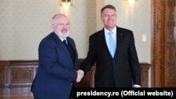 Președintele Klaus Iohannis cu vice-președintele CE Frans Timmermans la București la 1 martie 2018