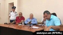 Судебное заседание по делу Манвела Григоряна и его супруги Назик Амирян, Ереван, 25 июня 2019 г.