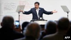 Міхеїл Саакашвілі під час антикорупційного форуму в Києві. Грудень 2015 року