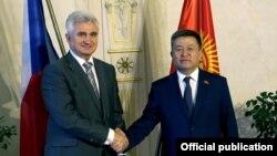 Милан Штех и Чыныбай Турсунбеков, фото пресс-службы ЖК.